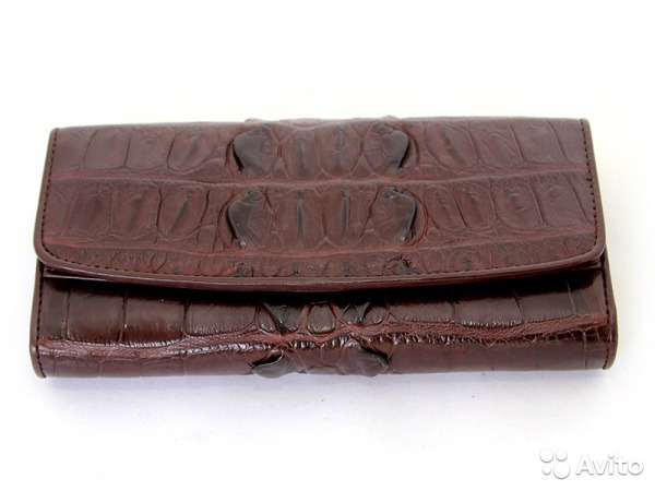Женский кошелек из кожи фото