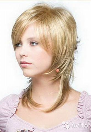 Прически типа каскад на волос коротко средней длины