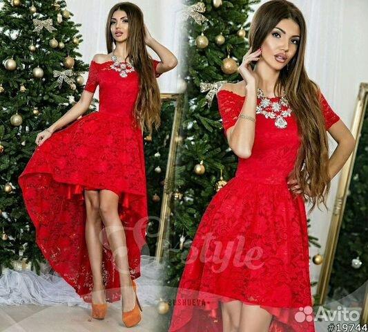 Красное платье со шлейфом кружевное